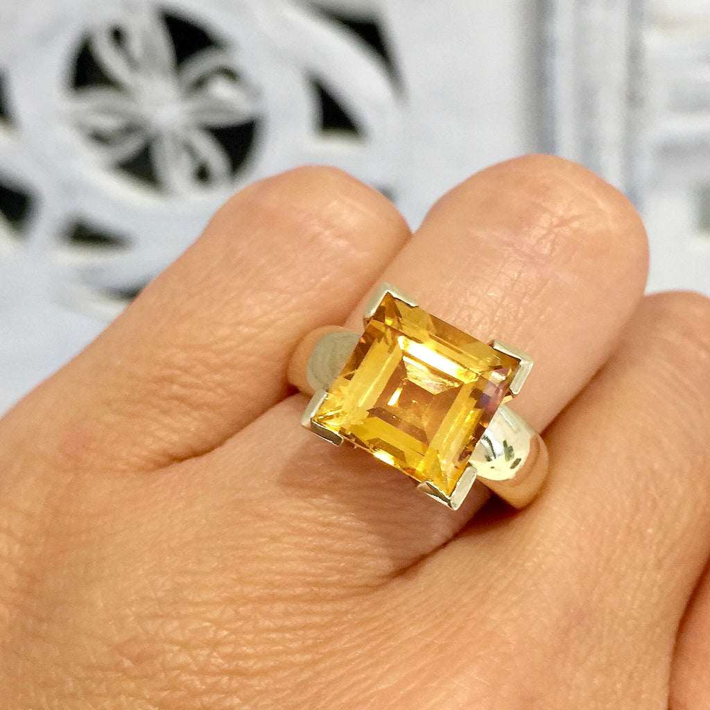 Yellow Gold Square Carre Cut Citrine Ring