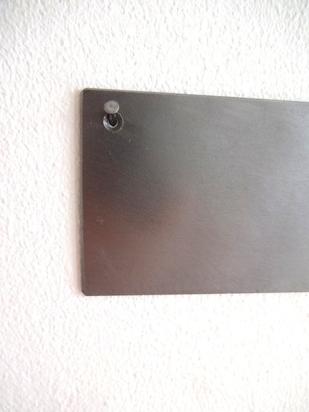 Hanging metal base for magnetic knife vases