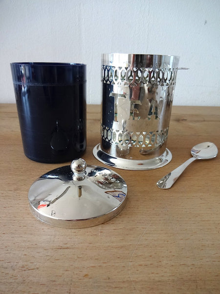 Tea tin (silver) with spoon