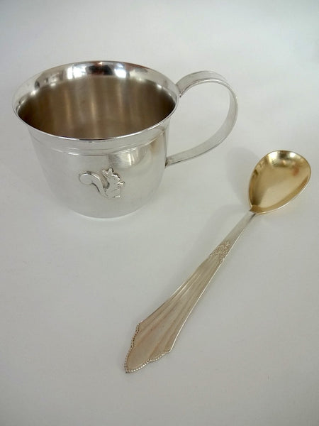 .Baby spoon with squirrel cup