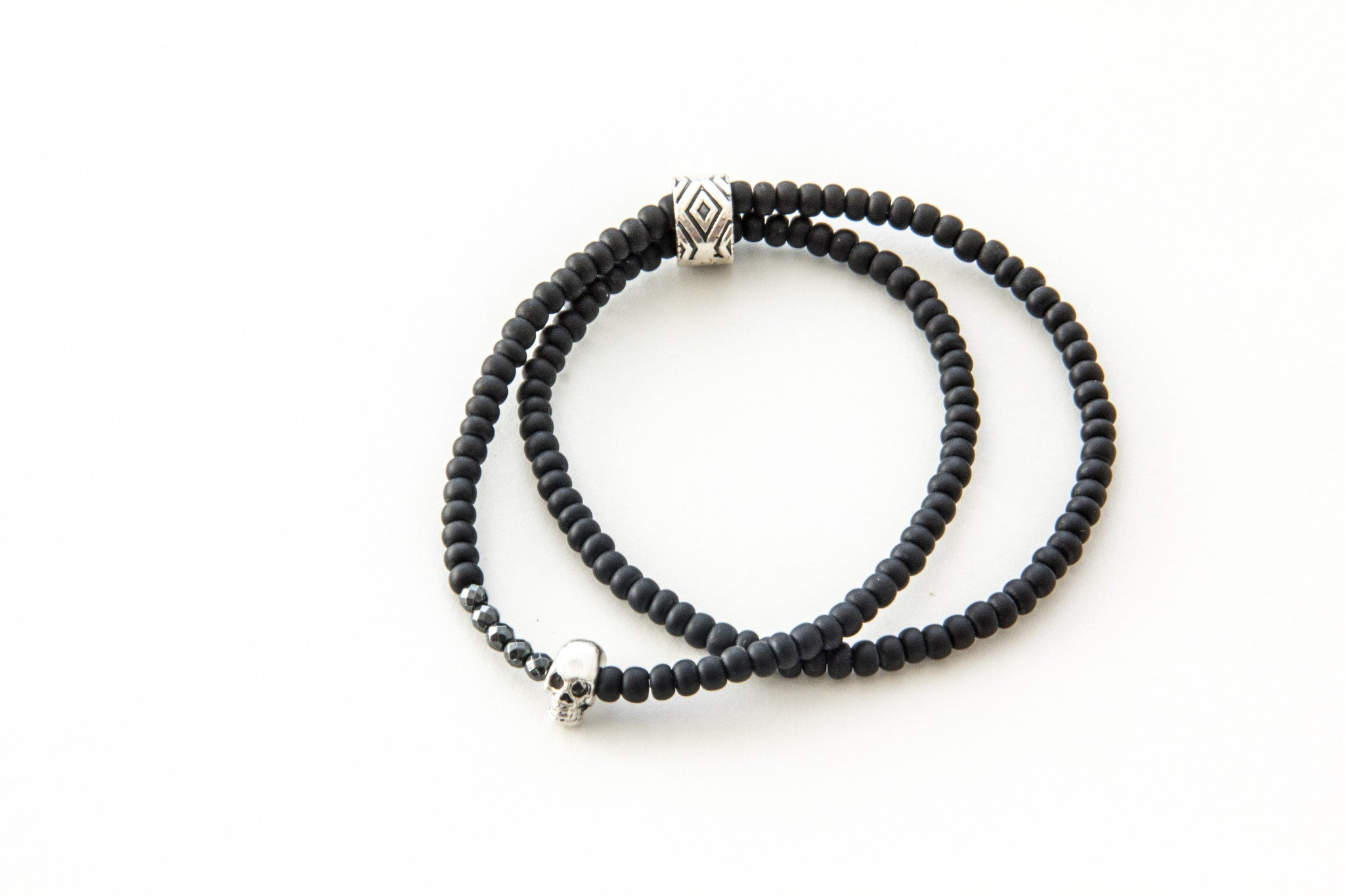 (ADD) DOUBLE  WRAP 2 CHARM BRACELET BLACK
