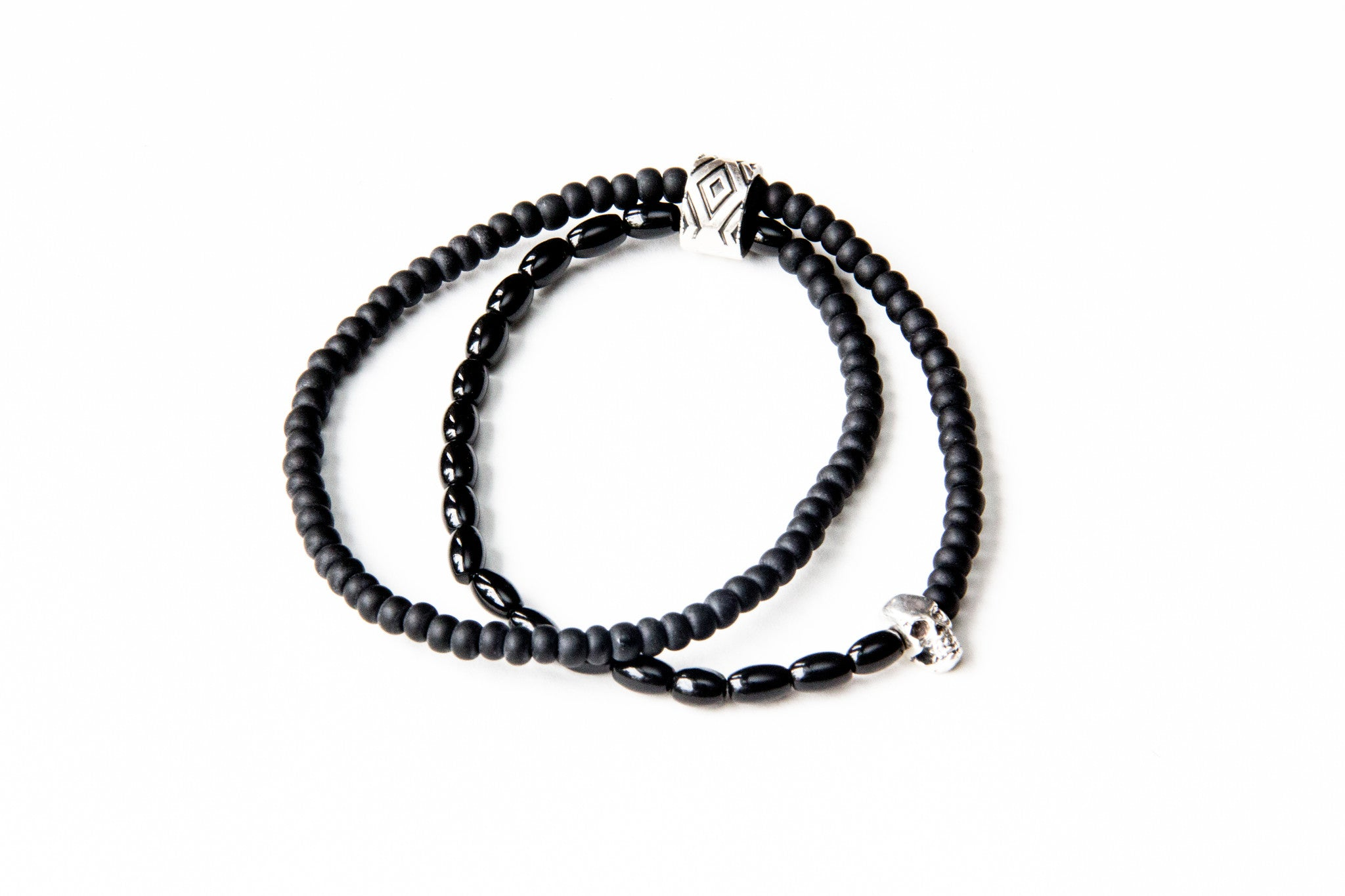 (ADD) DOUBLE WRAP 2 CHARM BRACELET BLACK & BLACK