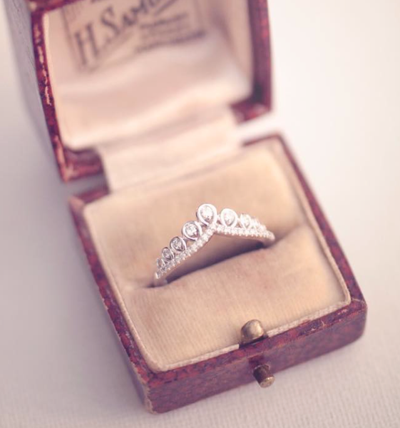 Emmy_London_H_Samuel_Vintage_Box_Engagement_Ring_Tiara