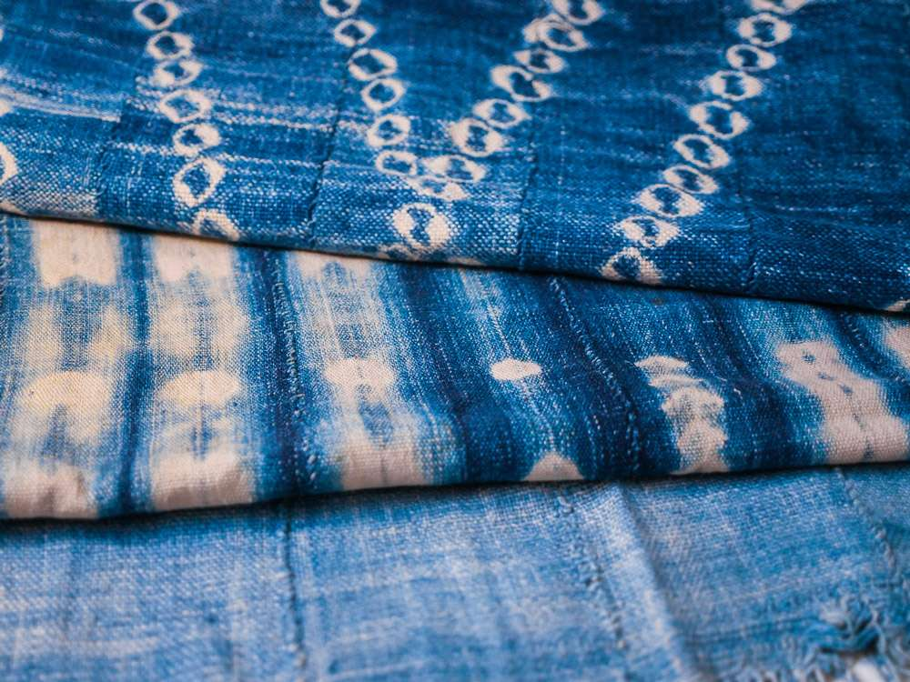 Indigo dogon Burkina Faso tissé main. Hand loomed indigo from Burkina Faso.