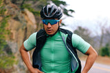 Afton Wind Vest - Black + Mint