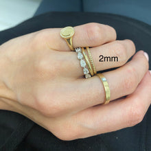 Load image into Gallery viewer, Skinny Rope Ring
