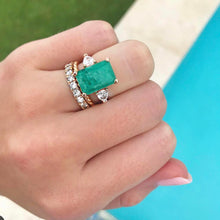 Load image into Gallery viewer, Emerald Ring with Side Pear Diamonds