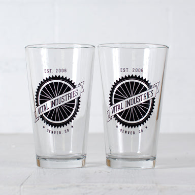Customized bicycle spokes 16 oz. pint glass set