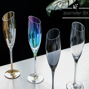 Bubbly Champagne Flutes - apt201