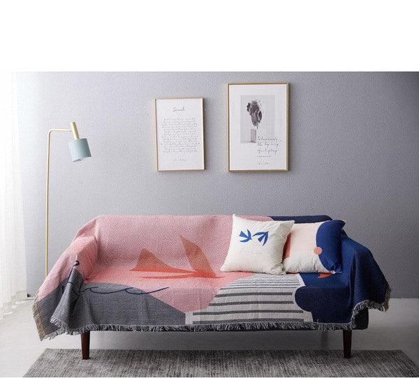 Vacker Throw Tapestry - Apartment 201