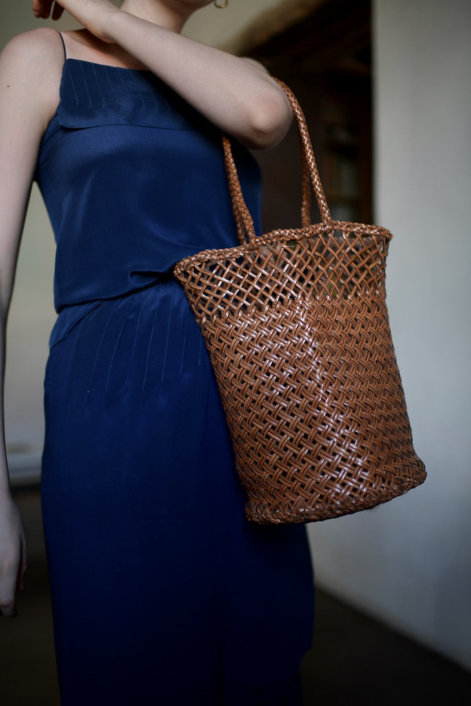 Dragon Bag woven leather bucket bag