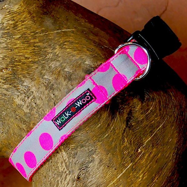 Walk-e-Woo Polka Dot Collar | Neon Pink on Grey | Peticular