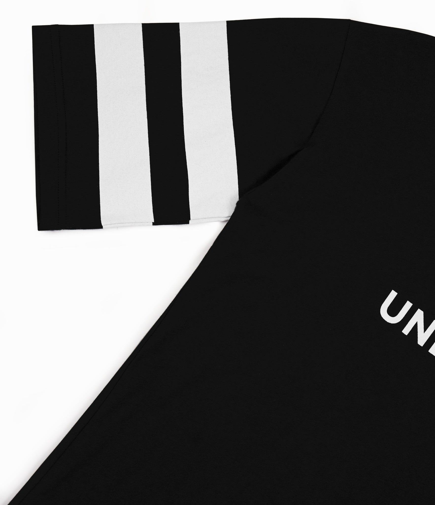 TS404 Print Tee - Black - underated london - underatedco - 3