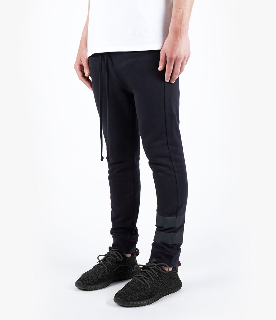 TR483 Essential Drop Crotch Joggers - Black
