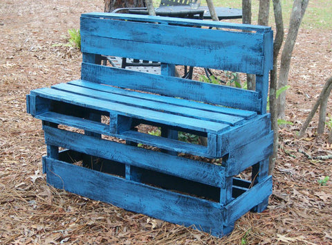 The Colorful Wood Pallet Furniture