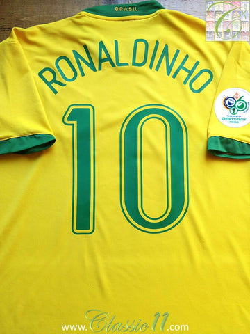 2006/07 Brazil Home World Cup Shirt Ronaldinho #10 (XL)