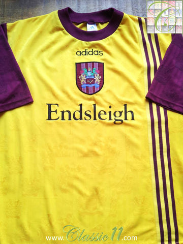 1996/97 Burnley Away Football Shirt (L)