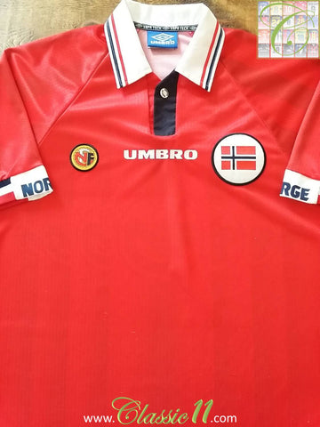 1998/99 Norway Home Football Shirt (L)