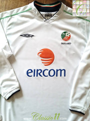 2002/03 Republic of Ireland Away Football Shirt. (L)