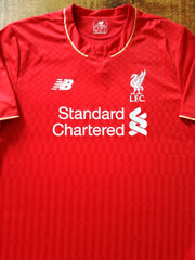 2015/16 Liverpool Home Football Shirt (M)