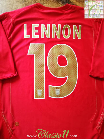 2006/07 England Away Football Shirt Lennon #19 (S)