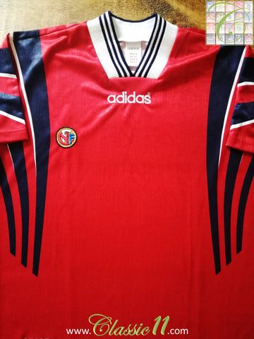1996/97 Norway Home Football Shirt (L)