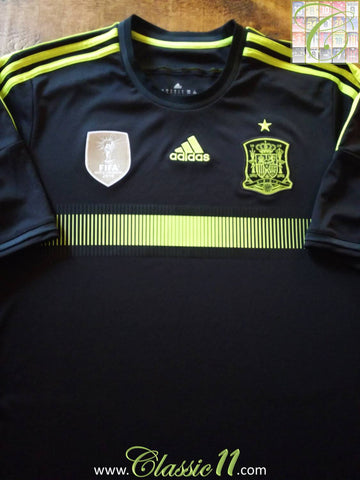 2013/14 Spain Away Football Shirt (L)