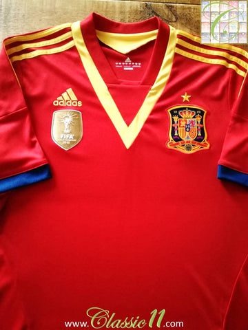 2012/13 Spain Home Football Shirt (M)