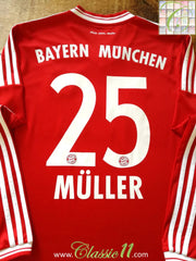 2013/14 Bayern Munich Home Football Shirt. Müller #25 (M)
