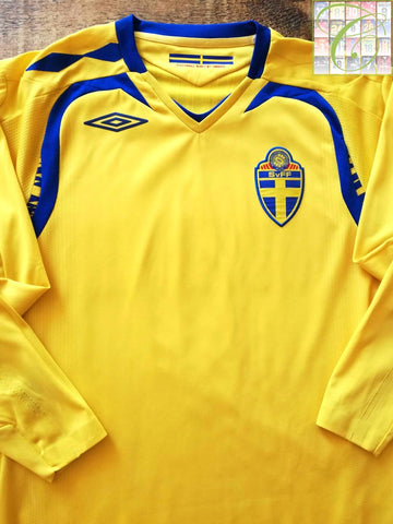 2007/08 Sweden Home Football Shirt. (S)
