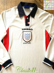 1997/98 England Home Football Shirt. (L)