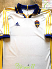 2000/01 Sweden Away Football Shirt (XL)