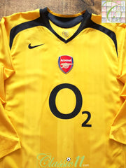 2005/06 Arsenal Away Football Shirt. (L)