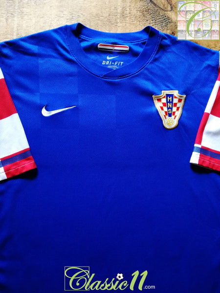 info for ab88a 960b3 2010/11 Croatia Away Football Shirt / Old Official Nike ...
