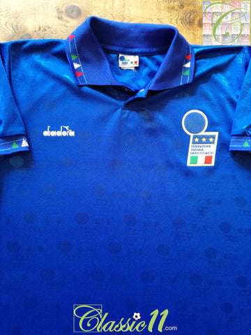 1993/94 Italy Home Football Shirt. (M)