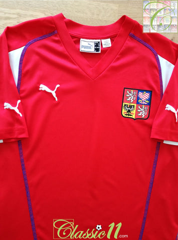 2004/05 Czech Republic Home Basic Football Shirt (S)