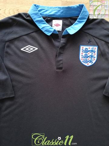 2011/12 England Away Football Shirt (M)