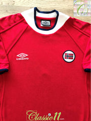 2000/01 Norway Home Football Shirt (L)