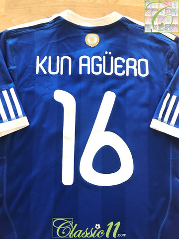 2010/11 Argentina Away Football Shirt Kun Agüero #16 (S)