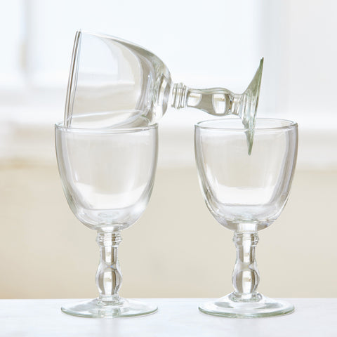 HAND-BLOWN WINE GLASS