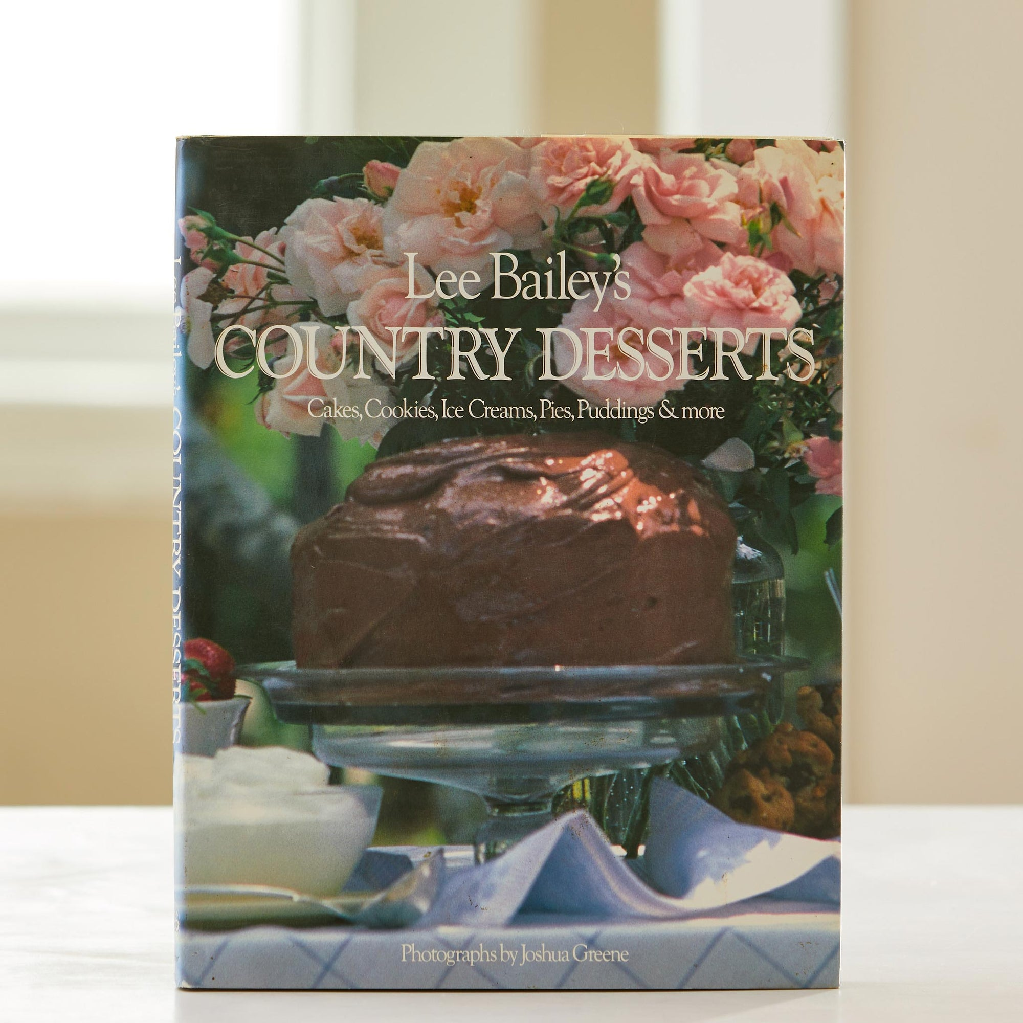 Lee Bailey's County Desserts. Cakes, cookies, Ice Creams, Pies, Cobblers, need we keep going? Find your best country kitchen dessert dreams here.
