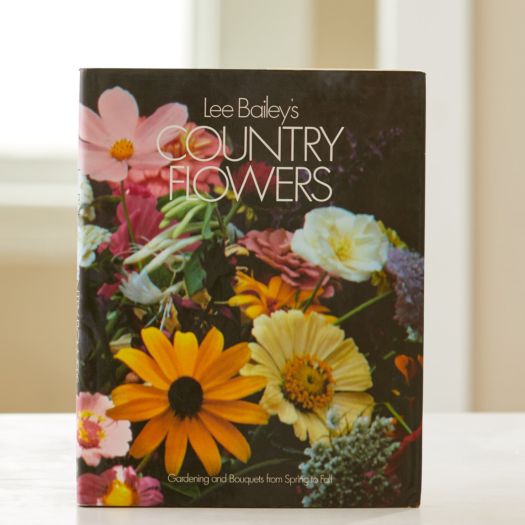 Lee Bailey's County Flowers. Monthly gardening guide, April-Sept. Illustrates perennial plants & how to make a garden bed. Best flower gardening book.