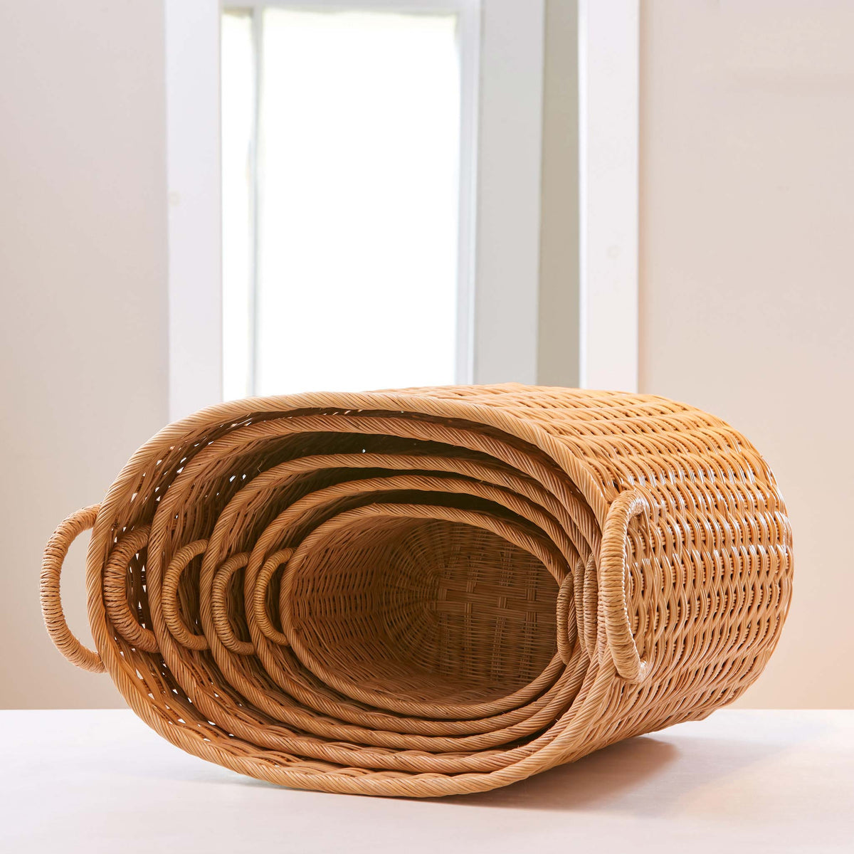 Oval rattan storage baskets. Storage baskets with lids and handles. Great baskets for storage, basket for clothes, bathroom storage. XL, L, M, S, XS.