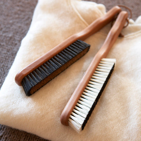 CASHMERE & FABRIC BRUSHES