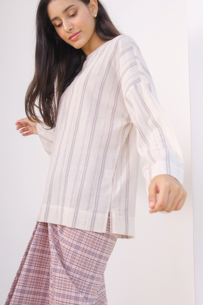 Inas Top in Off White Lines