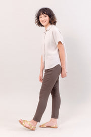The Short Sleeve Linen Shirt in Pebble