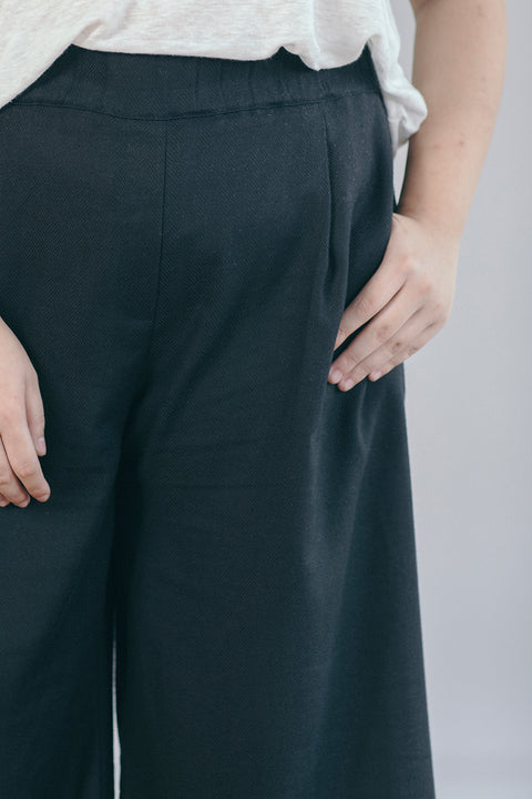 The Comfy Culottes in Black