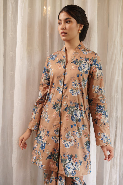 Merak Kebaya Top in Brown Floral