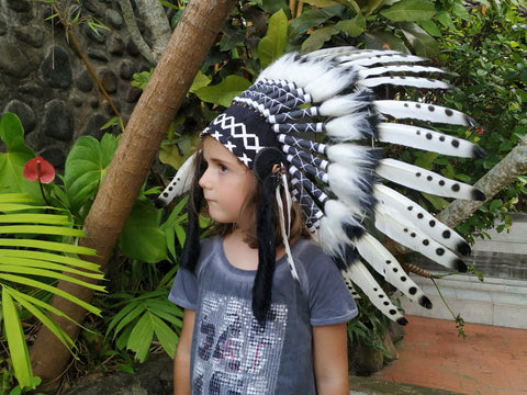 K07 For Kid / Children From 5-8 years old: black and white Chief indian Feather Headdress / Native american Style Warbonnet for the little ones
