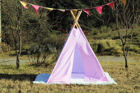 Teepee Tent Pink Circles.  4 POLES INCLUDED